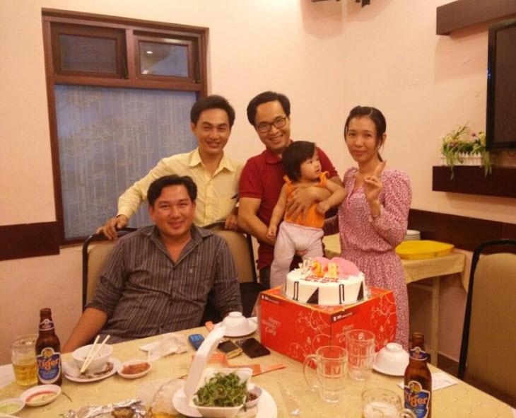 Tiệc mừng sinh nhật vợ đơn giản vào ngày 26/03